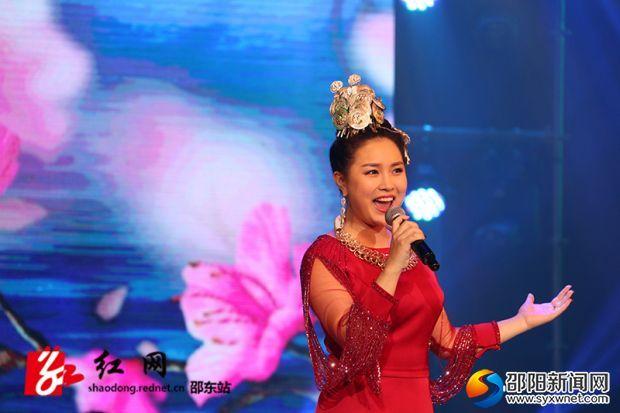王馨演唱《龍船調》