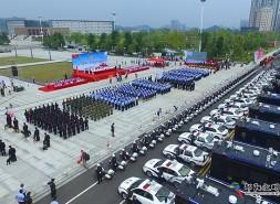 """33艘""""警务航母""""驻警街面打造三分钟见警"""