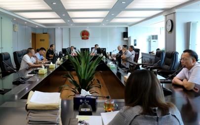 邵阳中院邀请市检察院检察长列席审委会会议